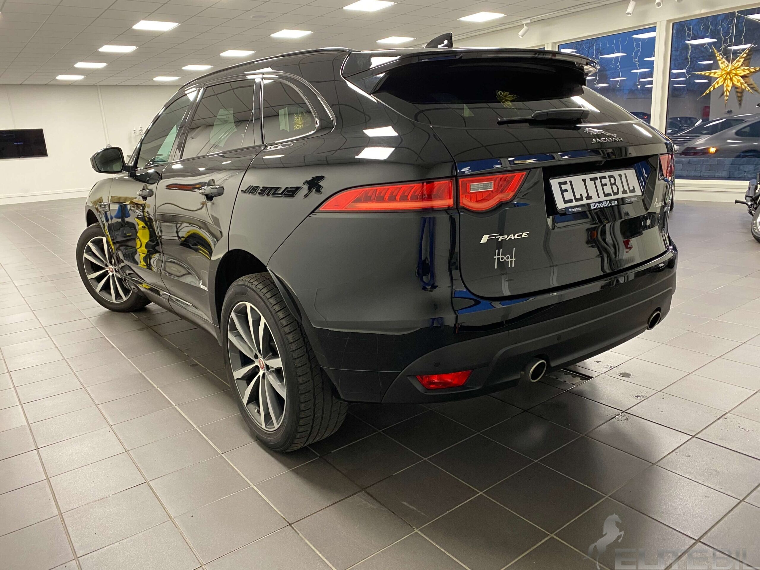 Jaguar F-Pace R-Sport (1)