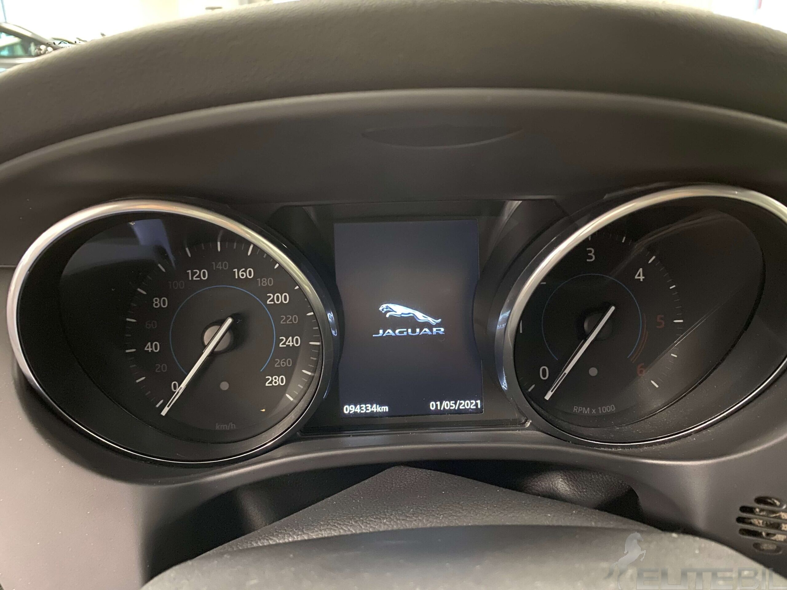 Jaguar F-Pace R-Sport (14)
