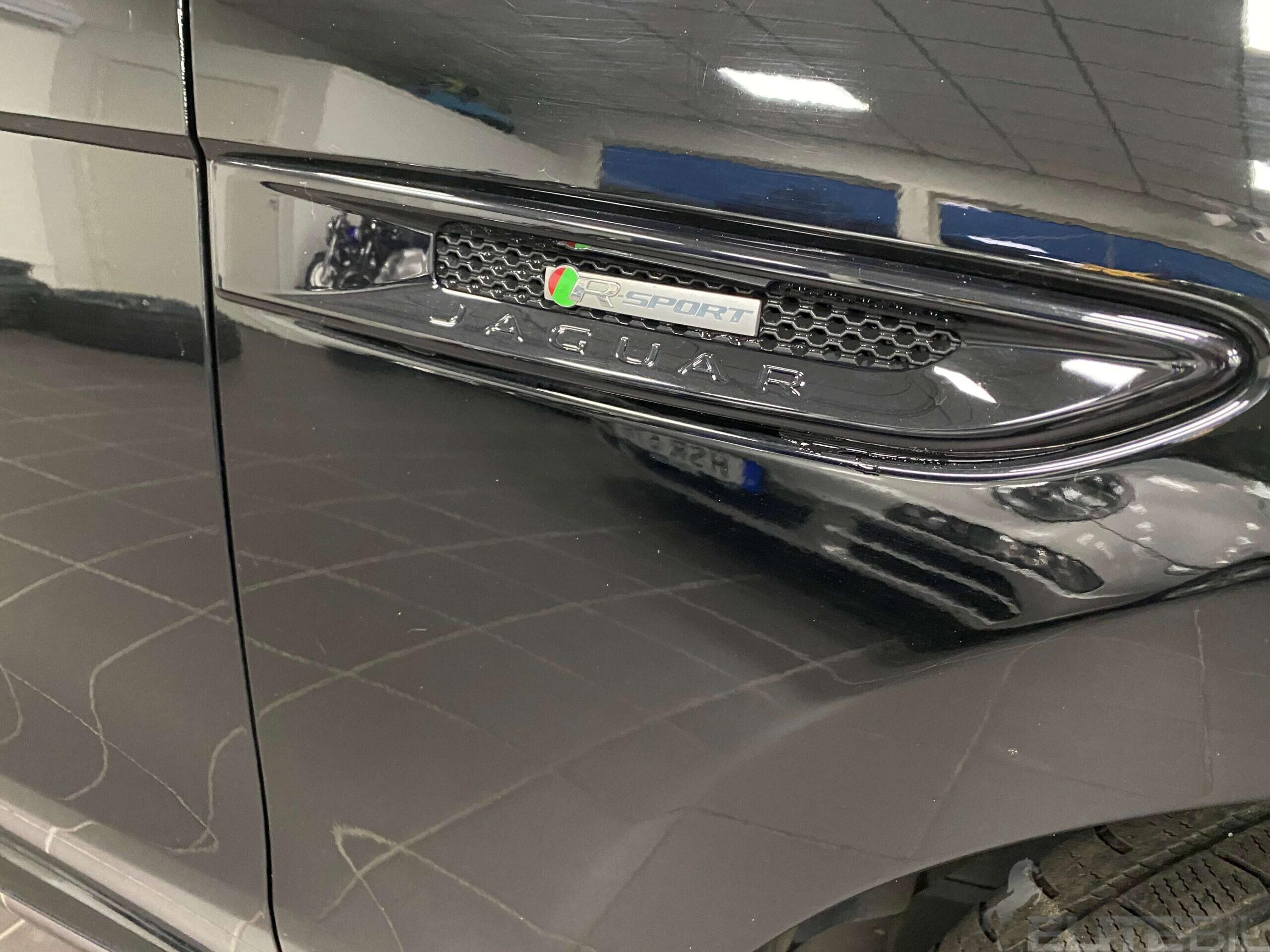 Jaguar F-Pace R-Sport (9)